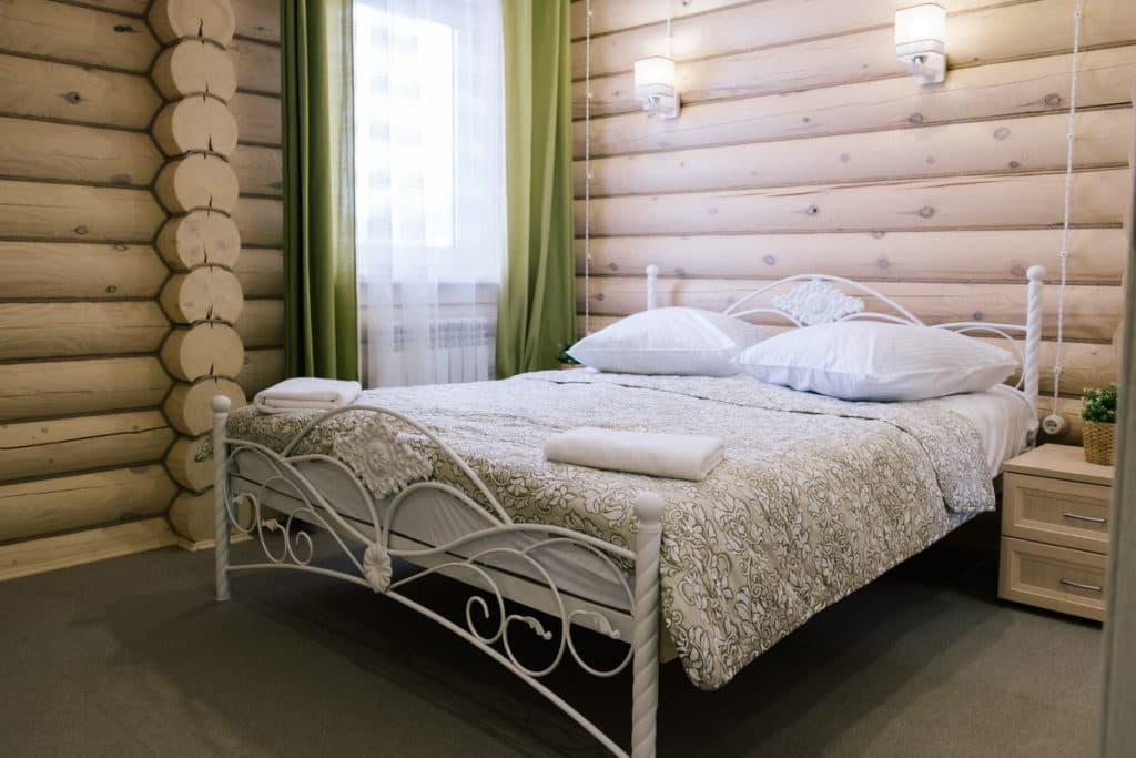 Наши апартаменты, спальня, большая кровать