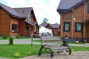 Аренда дома в Переславле, скамейка