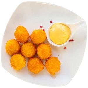 Сырные шарики с кетчупом